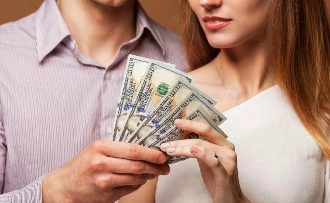 Почему девушки должны зарабатывать меньше мужчин?